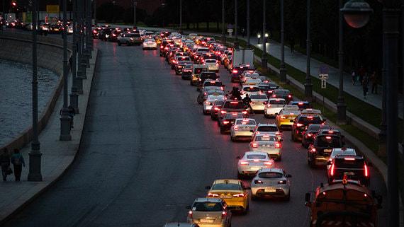 Пробки в Москве достигли десяти баллов