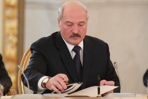Лукашенко подписал декрет о передаче власти Совбезу в случае гибели президента