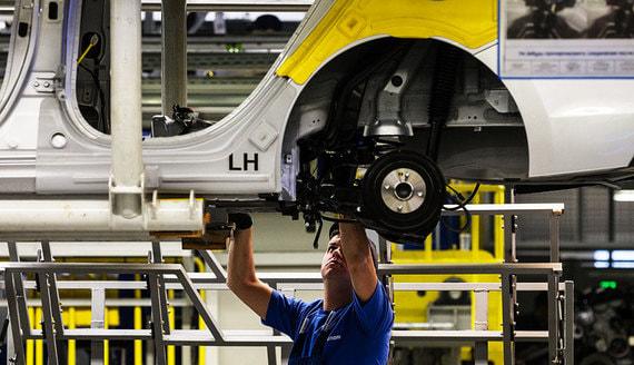 Минпромторг назвал срок преодоления дефицита электроники для автомобилей
