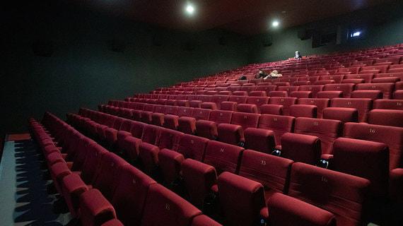 В Бурятии приостановили работу кинотеатров и фудкортов