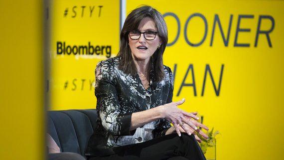 Кэти Вуд соревнуется с Илоном Маском в роли гуру мира инвестиций