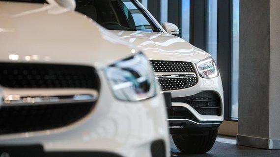 Продажи новых легковых автомобилей и LCV в первом полугодии выросли на 37%