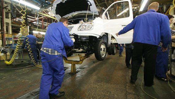 Группа ГАЗ из-за дефицита микрочипов стала выпускать некомплектные автомобили