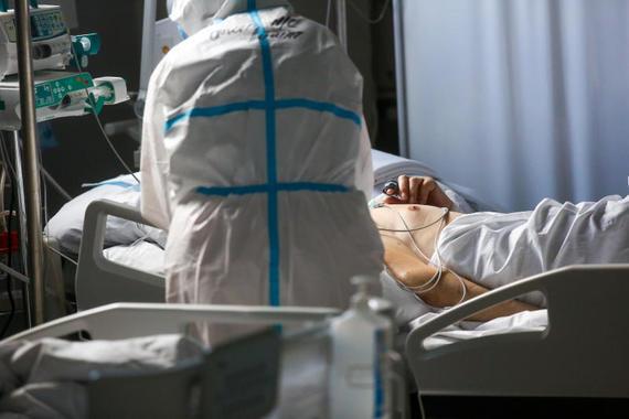 В России за сутки выявили 22 498 новых случаев коронавируса
