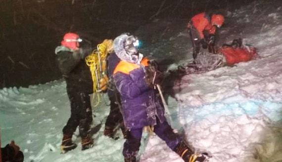 СК задержал организатора восхождения на Эльбрус после гибели альпинистов