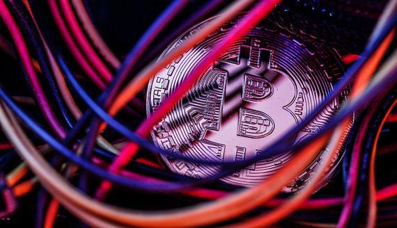 Рубини спрогнозировал вытеснение криптовалют цифровыми валютами