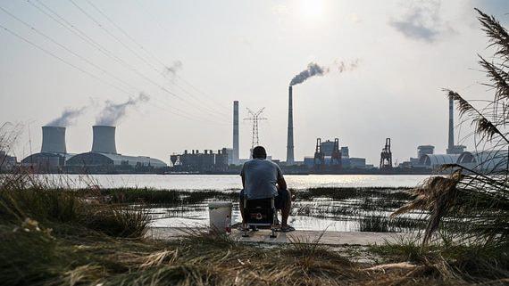 В Китае ограничивают энергоснабжение городов и промышленных предприятий