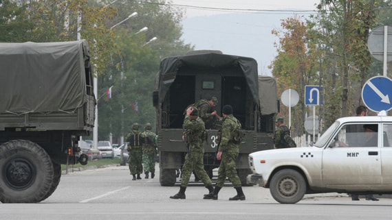 Пять правоохранителей получили ранения в ходе спецоперации в Чечне